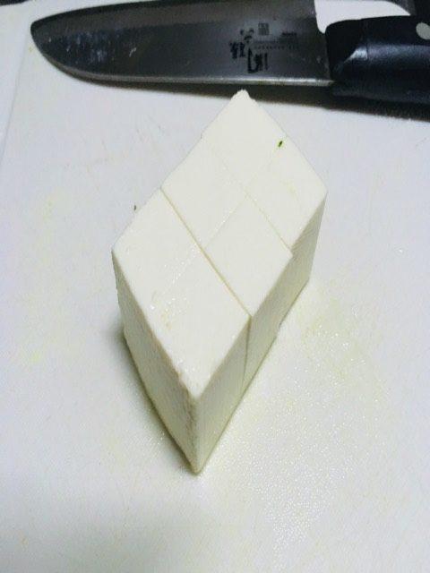 豆腐を6等分にした写真