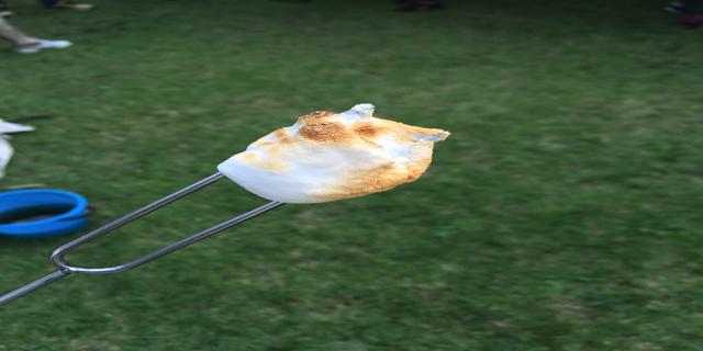 マシュマロを焼いた写真